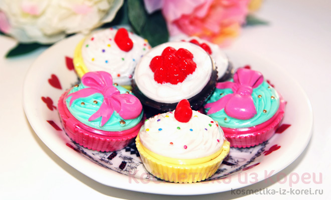 01-holika-holika-dessert-time-lip-balm